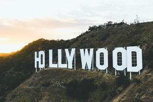 ハリウッド キキ 顔面 麻痺